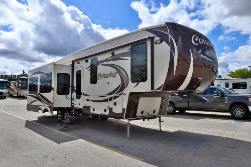 Exterior : 2014-FOREST RIVER-320RS