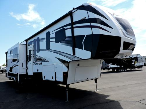 New 2016 Dutchmen VOLTAGE 3970 Fifth Wheel Toyhauler For Sale