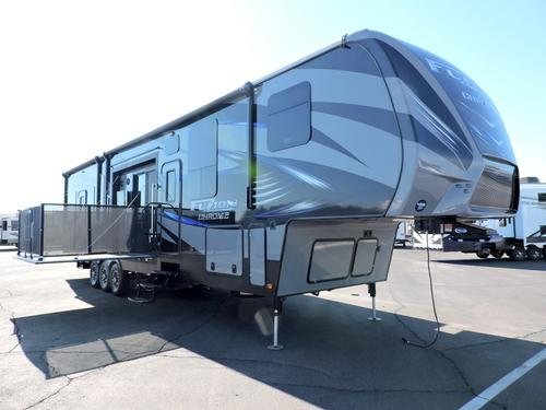 New 2016 Keystone Fuzion 420 Fifth Wheel Toyhauler For Sale