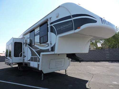 Used 2008 Glendale Titanium 39QSSA Fifth Wheel For Sale