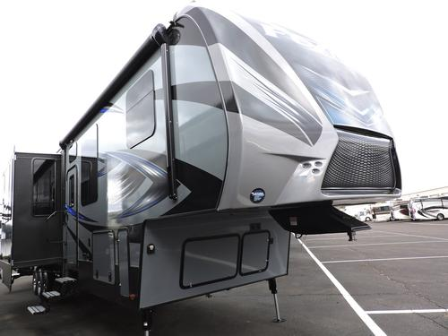New 2016 Keystone Fuzion 413 Fifth Wheel Toyhauler For Sale