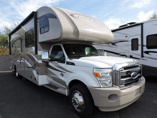 Used 2014 THOR MOTOR COACH Four Winds 33SW Class C For Sale