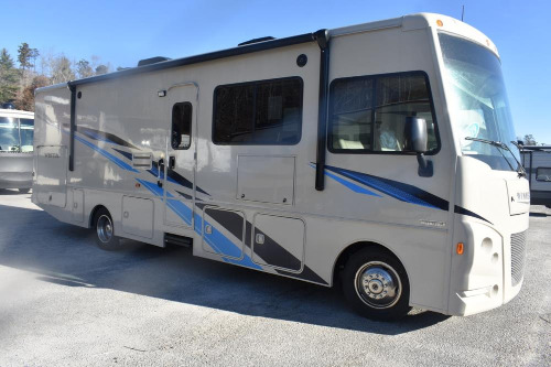 Bathroom : 2019-WINNEBAGO-29VE