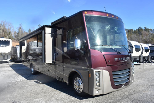 Bathroom : 2016-WINNEBAGO-36Z