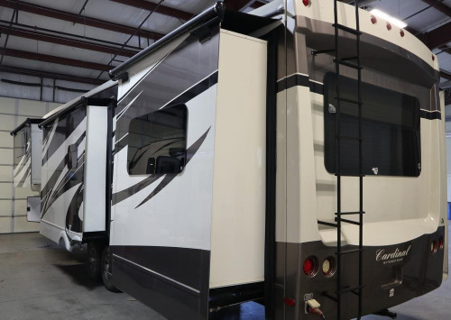 Bathroom : 2013-FOREST RIVER-3850RL
