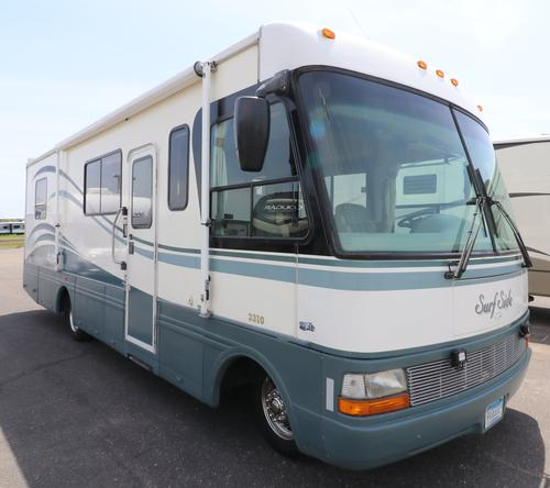 Exterior : 1999-NATIONAL RV-3310