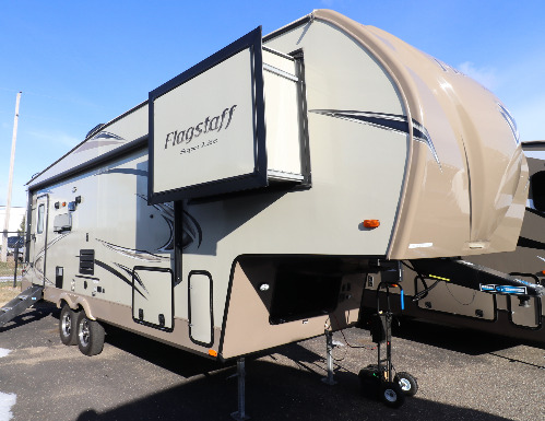 Exterior : 2018-FOREST RIVER-527RLWS