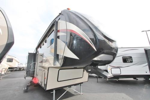 Used 2015 Keystone Outback 296FRS Fifth Wheel For Sale