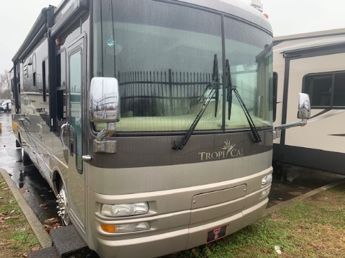 Bedroom : 2007-NATIONAL RV-T370