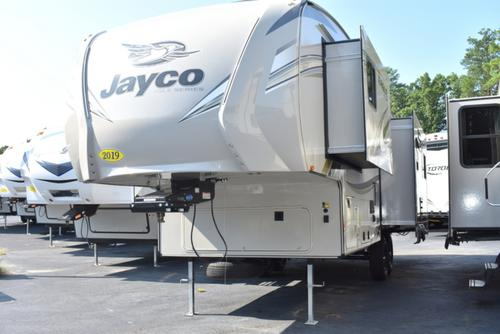 Living Room : 2019-JAYCO-27.5RLTS
