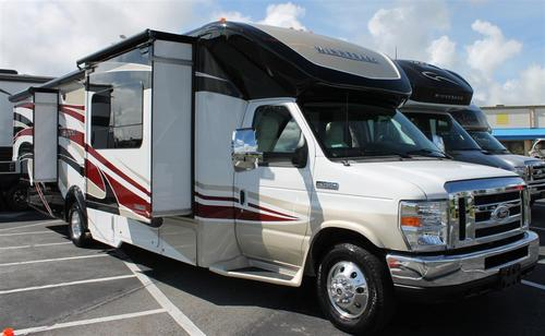 Model 2016 Winnebago Minnie Winnie 22r Off White In Bristol Connecticut