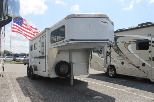 "Garage : 2001-SUNDOWNER TRAILERS-""2-HORSE, 8' LIVING QUARTERS"""