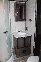 Bathroom : 2019-HEARTLAND-M335