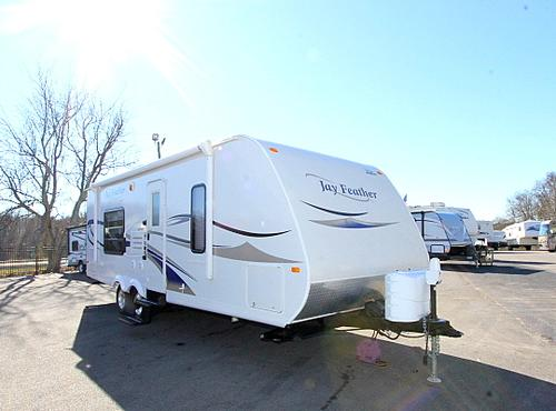 Used 2010 Jayco Jay Feather 24T Travel Trailer For Sale