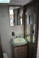 Bathroom : 2019-COLEMAN-1705RB