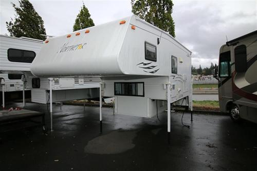 Used 2006 Northstar IGLOO 9.5 Truck Camper For Sale