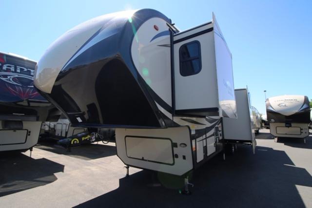 2017 Fifth Wheel Coachmen BROOKSTONE