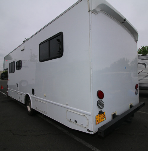 Bathroom : 2014-NEXUS RV-28P FORD E450