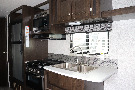 Kitchen : 2019-HEARTLAND-BH250