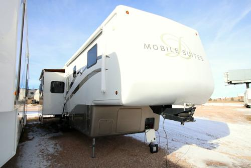 2004 Double Tree Mobile Suites