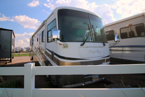 Exterior : 2006-TIFFIN-37DB