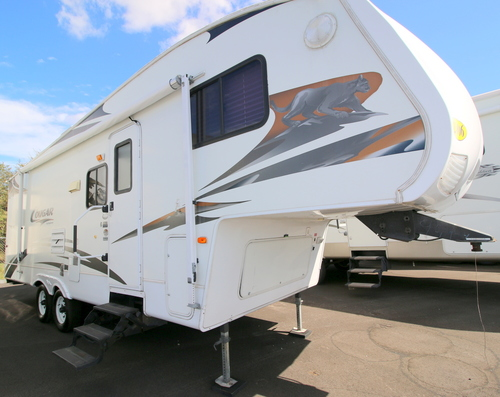 Used 2006 Keystone Cougar 25EFS Fifth Wheel For Sale