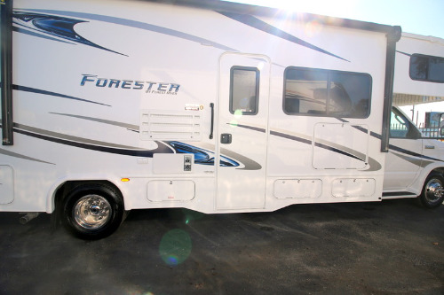 New or Used Class C Motorhomes For Sale - RVs Near Spartanburg