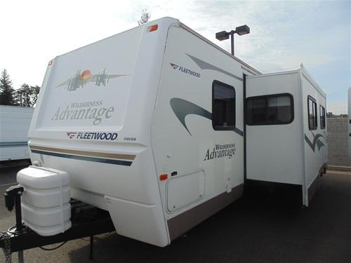 Used 2005 Fleetwood Wilderness Adv 270FQS Travel Trailer For Sale