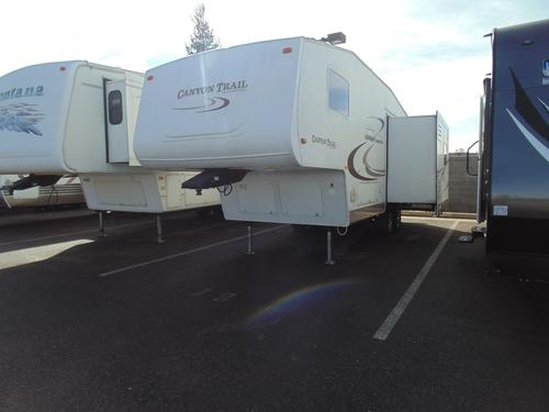 Used 2005 Gulfstream Canyon Trail 27FRBW Travel Trailer For Sale