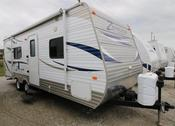 Used 2013 Crossroads Zinger 23RB Travel Trailer For Sale