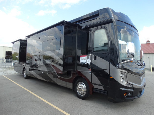 New or Used Fleetwood Discovery Lxe RVs for Sale - Camping