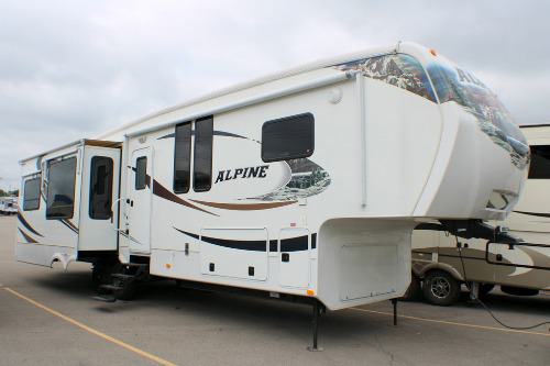 Exterior : 2011-KEYSTONE-3500RE