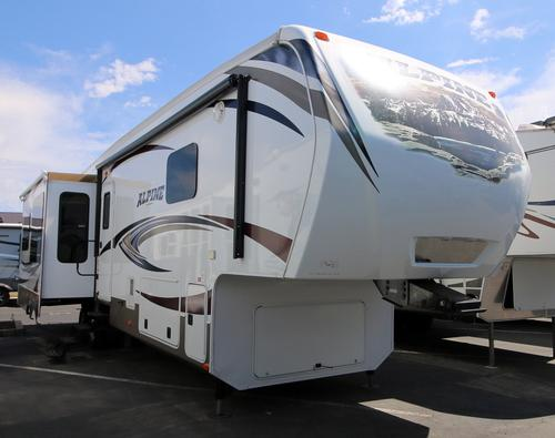 Used 2014 Keystone Alpine 3555RL Fifth Wheel For Sale