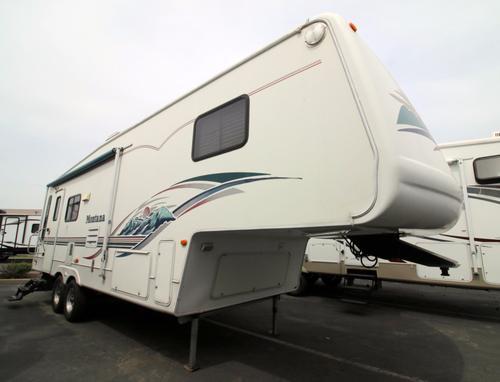 Used 2002 Keystone Montana 2955RL Fifth Wheel For Sale