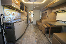 Kitchen : 2019-WINNEBAGO-24D