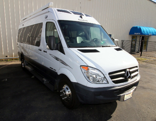 Exterior : 2011-ROADTREK-RS ADVENTUROUS