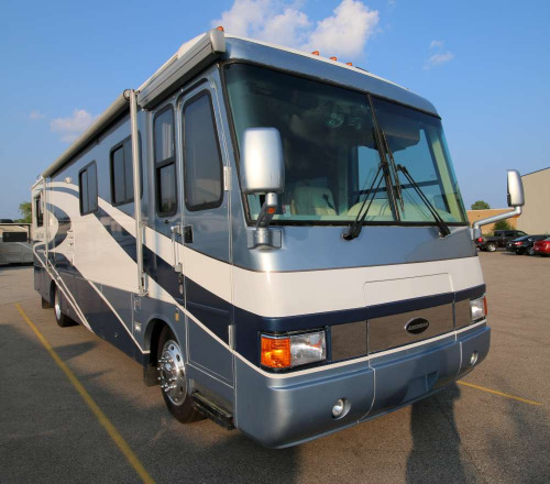Exterior : 2001-AIRSTREAM-LAND YACHT XL 330HP SLIDE