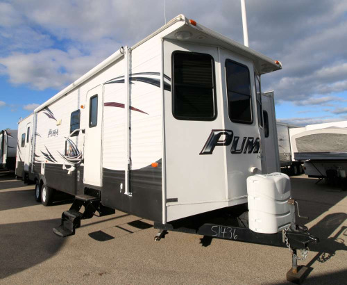 Exterior : 2015-FOREST RIVER-38PLF