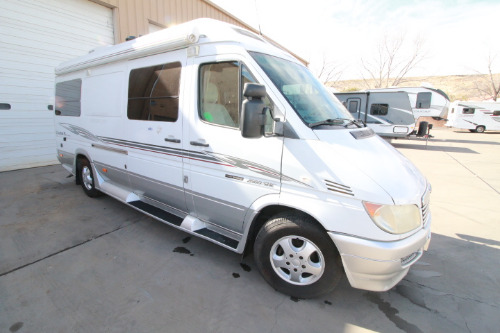 Exterior : 2007-ROADTREK-RS ADVENTUROUS