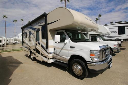 Used 2015 THOR MOTOR COACH Freedom Elite 23H Class C For Sale