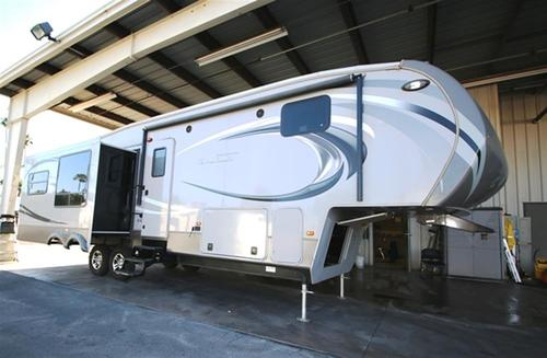 Used 2013 Keystone Montana 318RE Fifth Wheel For Sale