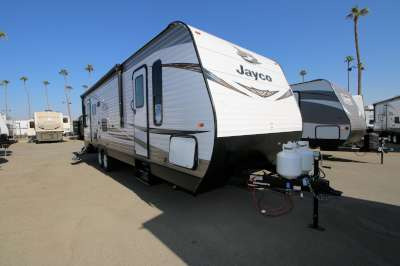 Travel Trailer Front Living RVs For Sale - Camping World Hkr