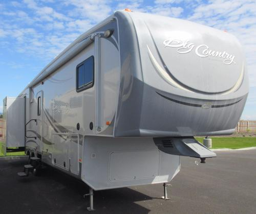 Used 2011 Heartland Big Country 3355RL Fifth Wheel For Sale