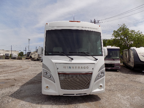 Bedroom : 2018-WINNEBAGO-26M