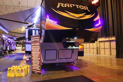 2016 Keystone Raptor