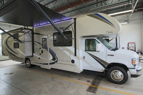 new or used class c motorhomes for sale rvs near akron. Black Bedroom Furniture Sets. Home Design Ideas
