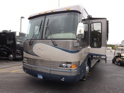 Used 2004 Country Coach Magna CHALET 515 DOUBLE SLIDE Class A - Diesel For Sale