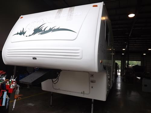 Used 2002 Forest River Wildcat 28BH ( AS IS ) Fifth Wheel For Sale