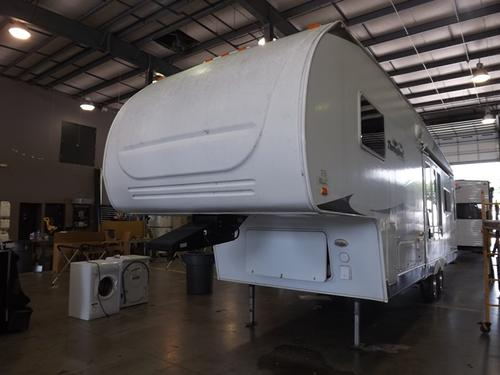 Used 2007 Forest River Thoroughbred 829RL Fifth Wheel For Sale
