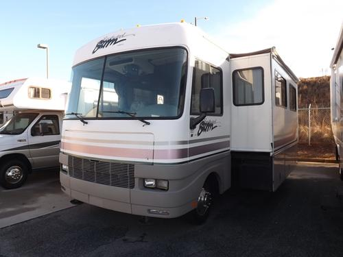 Used 1999 Fleetwood Storm 32V Class A - Gas For Sale
